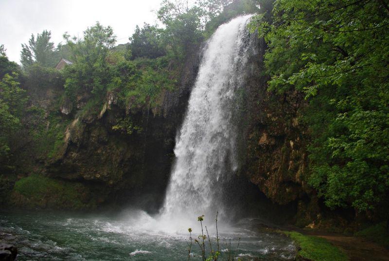 Cascade De Salles La Source