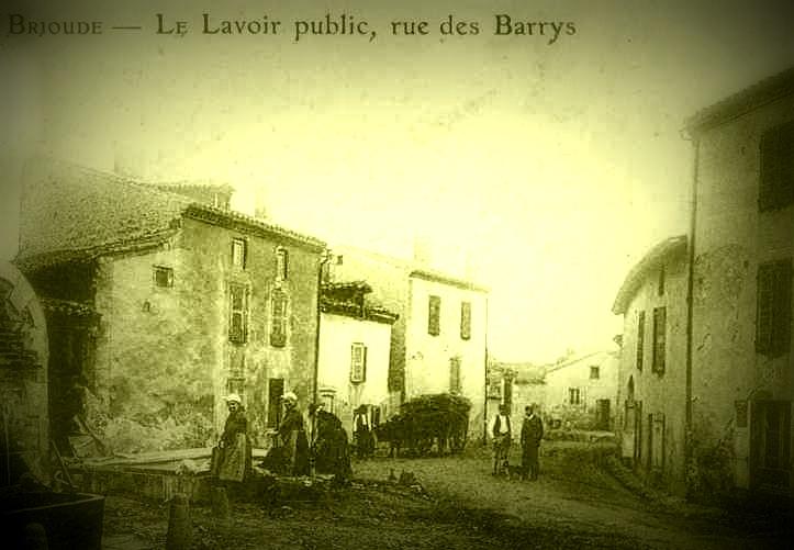 Brioude_Rue_des_Barrys.jpg