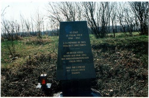 La stèle commémorative