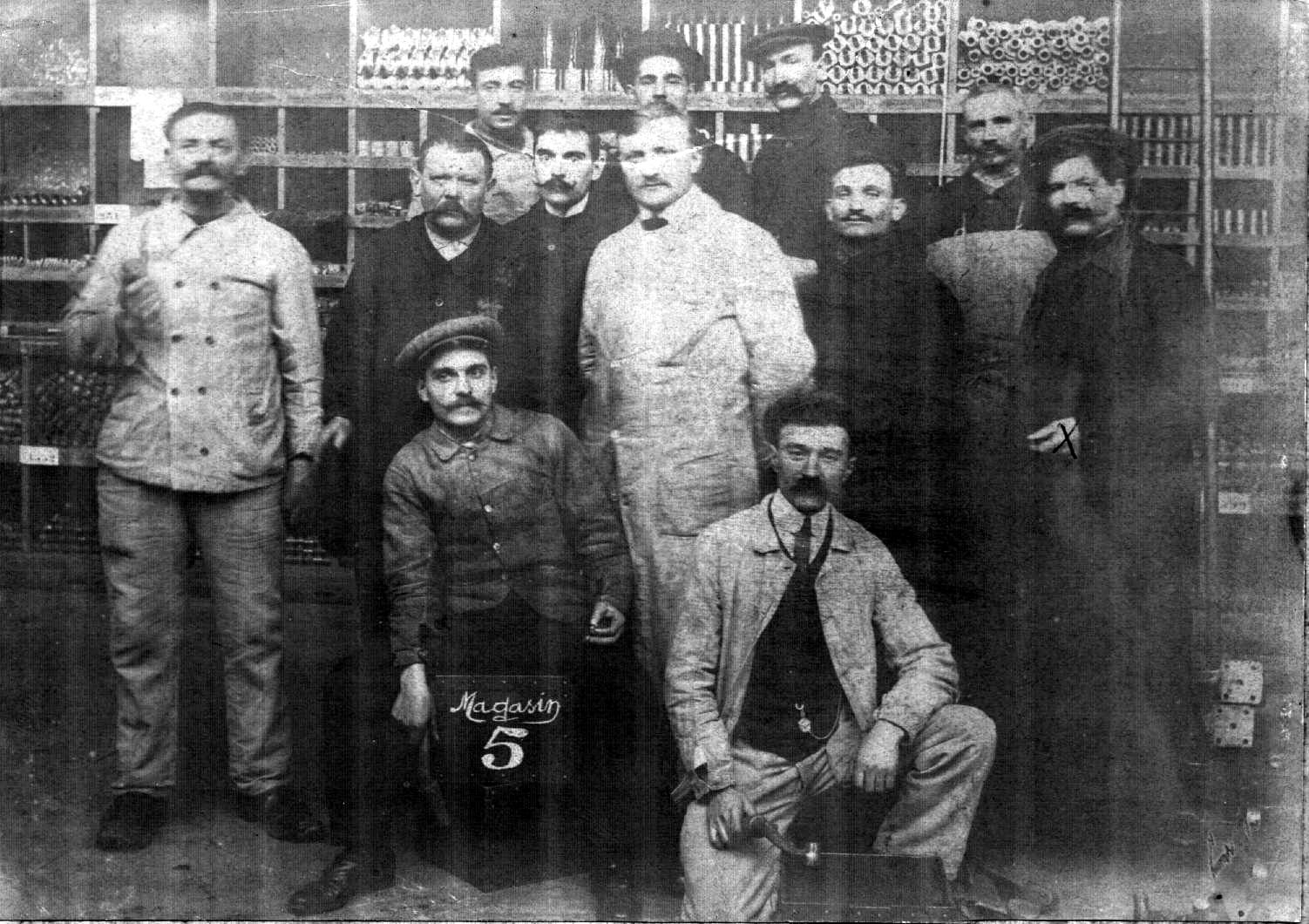1908_MARIE_Albert_chez_Renault.jpg