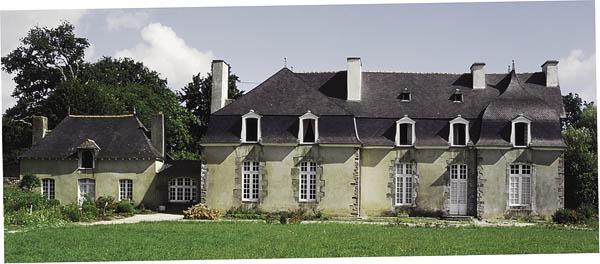 chateau_de_la_ville_roux_gael.jpg