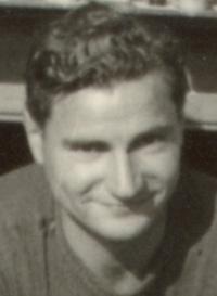 http://gw.geneanet.org/file/genewebfile/l/e/levrel/Margot/Rino_SCOLARI_1941.jpg