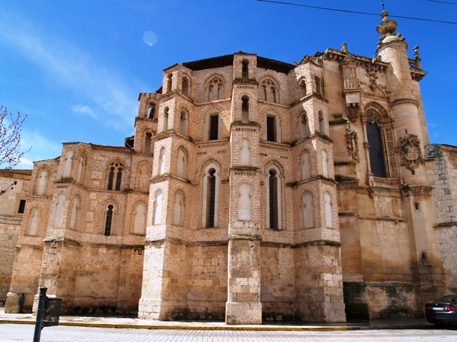 Iglesia_del_Convento_de_San_Pablo.jpg