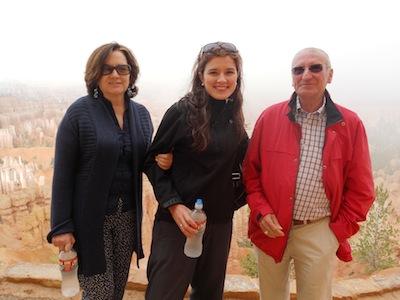 Esther_con_su_madre_y_su_suegro_en_el_Gran_Ca_on.JPG