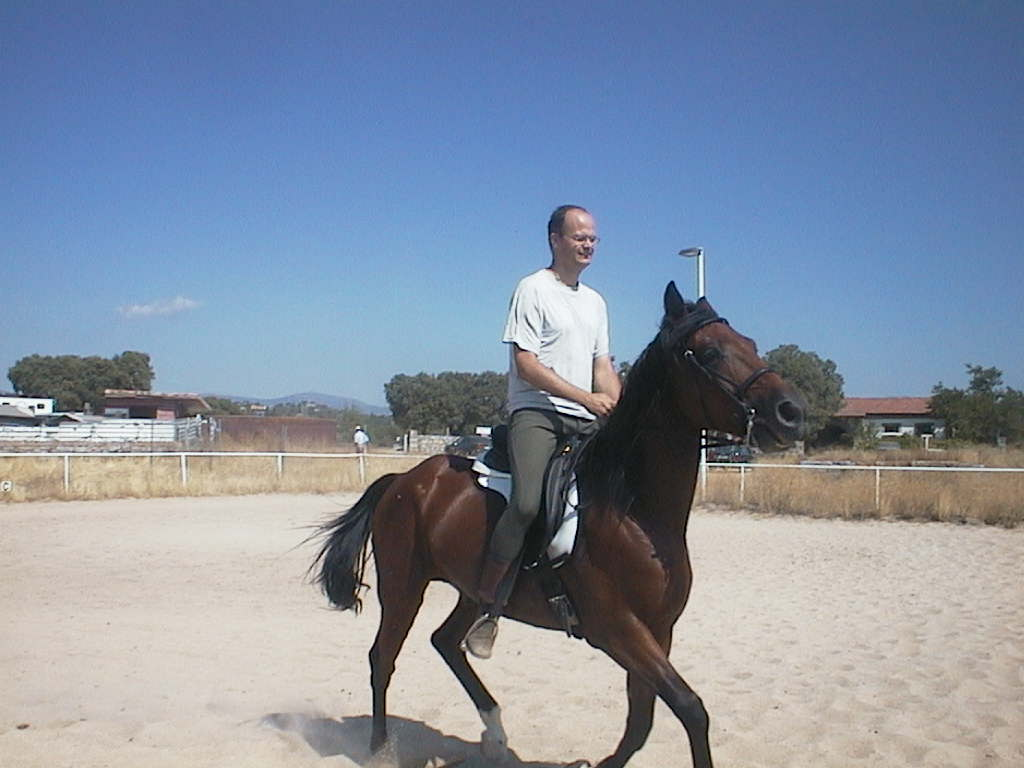 Luis_montando_a_caballo.JPG