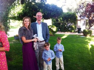 Arancha y luis con sus hijos en la boda de Jorge y Nieves