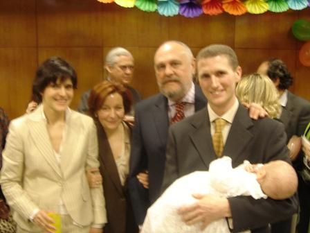 Con_sus_padres_y_abuelos.JPG