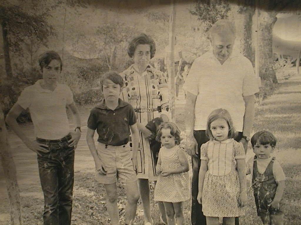 Manuel_Cabeza_Calahorra_con_su_mujer_e_hijos.JPG