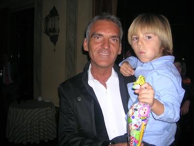 Alejandro_con_su_padre_en_la_boda_de_Miguel_y_Esther.JPG