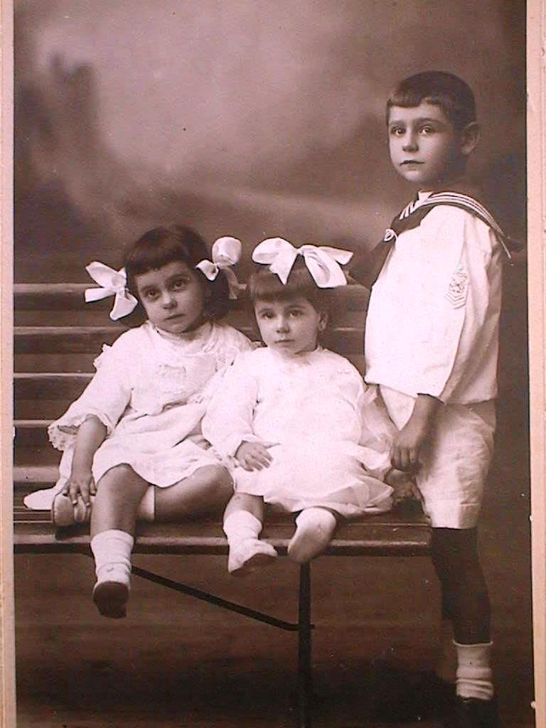 Papi_Luis_Carmen_Ditas_1917_.JPG