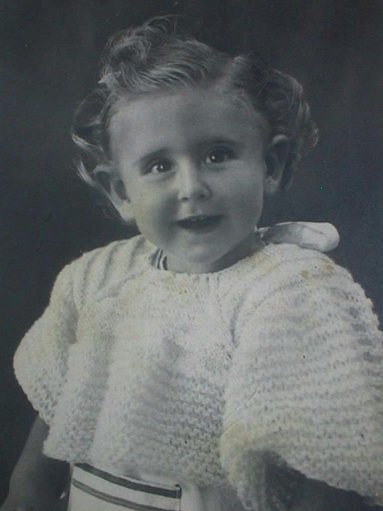 Pilar_Manuel_de_Villena_de_13_meses_en_Morella_Sept._1942.JPG