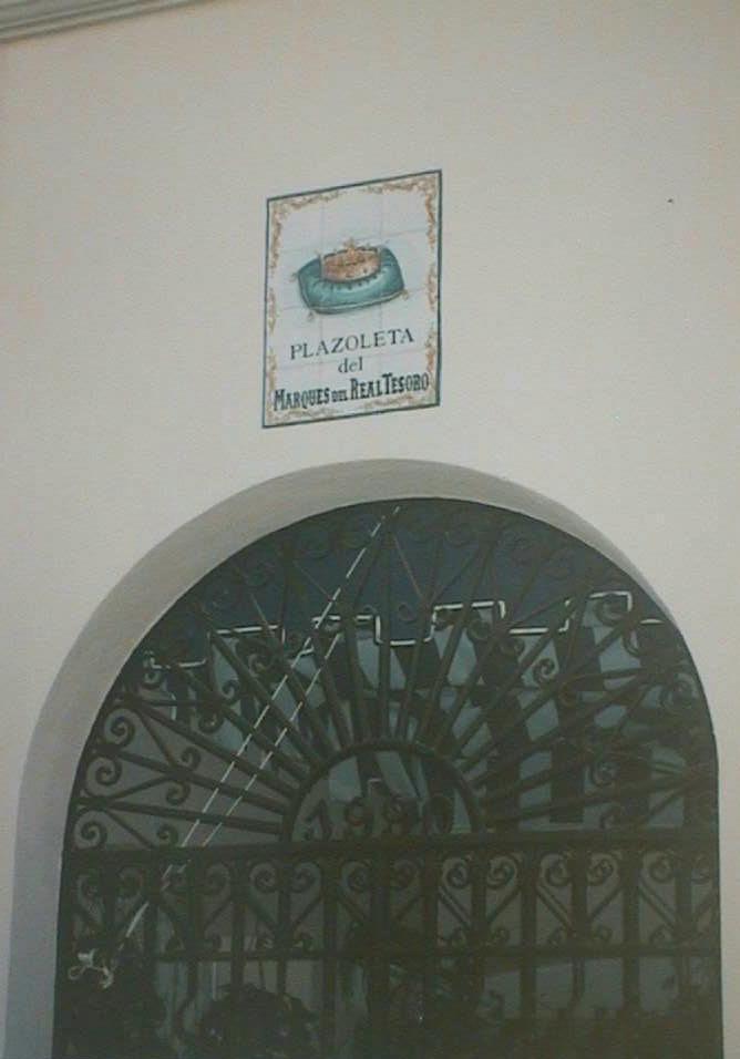 Plazoleta_del_Marques_del_Real_Tesoro_en_Puerto_Sherry._Puerto_de_Sta._Maria_Cadiz_.JPG