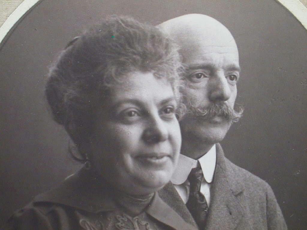 Rafaela_y_Miguel_Navarro_1920_.JPG
