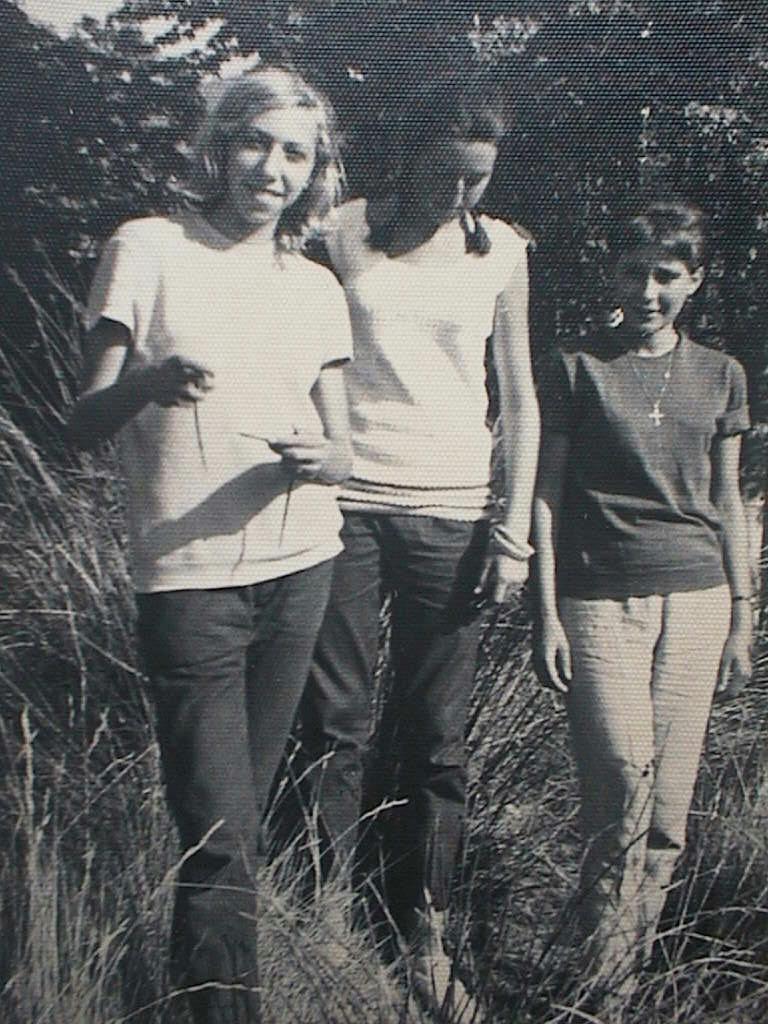 Mari_Lola_con_Cuca_Garcia_Petit_y_Chantal_Garnier.Verano_1962.JPG