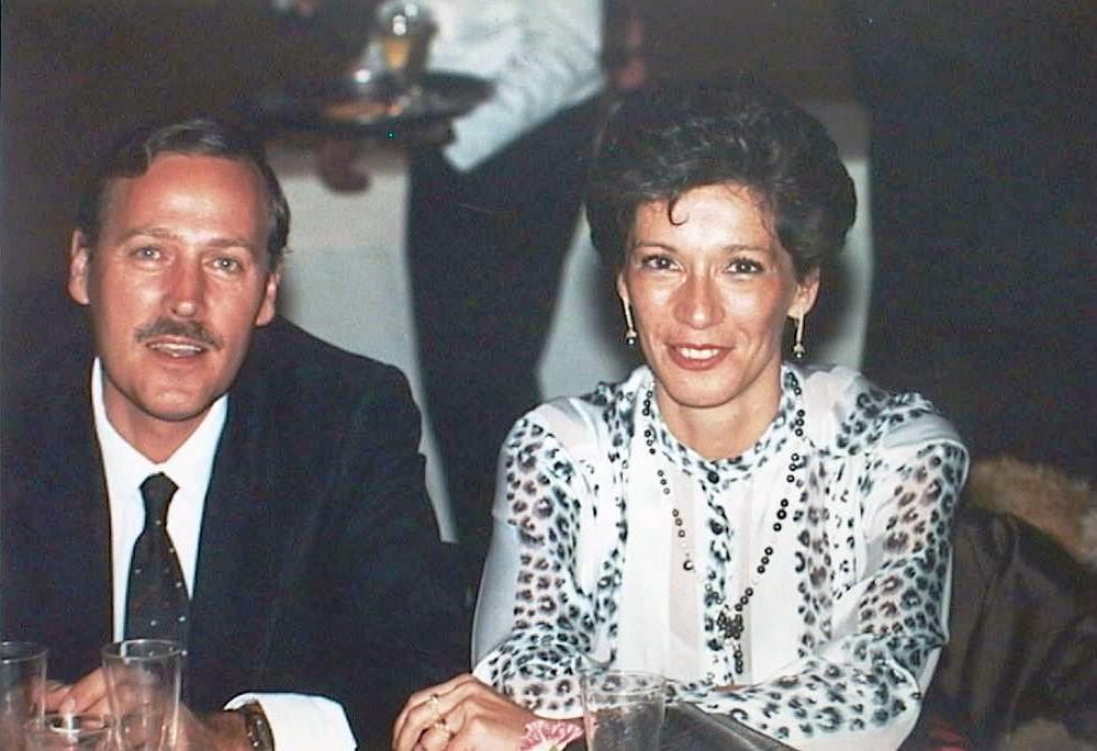 Angel_Lopez_Manuel_de_Villena_con_su_mujer_Isabel_en_la_Boda_de_Araceli_y_Alfonso._Nov._1986.JPG