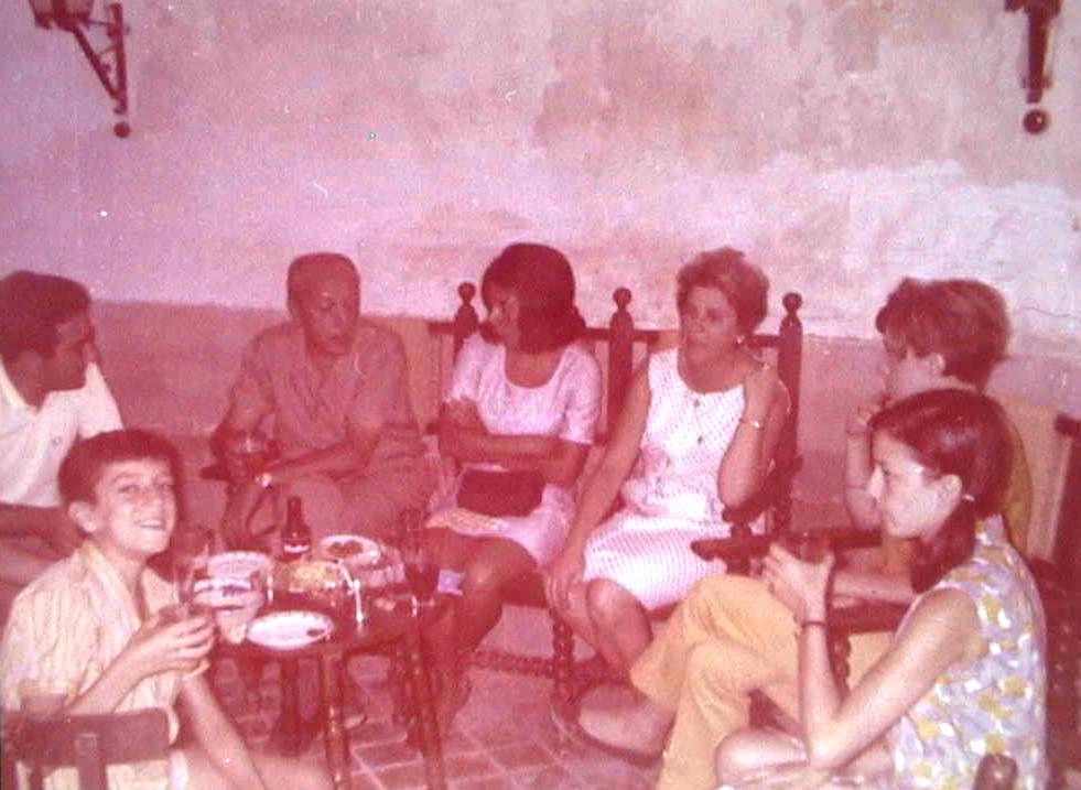 Maria_Antonia_Lopez_Manuel_de_Villena_en_Ciempozuelos_A_o_1967.JPG