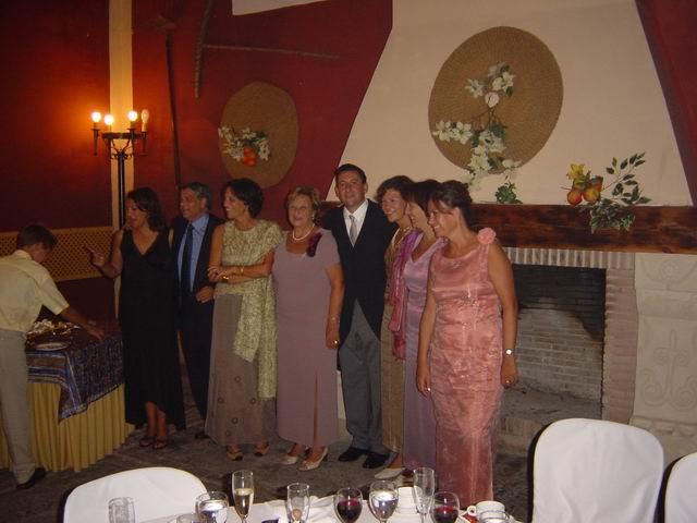 Con su madre y sus 6 hermanos