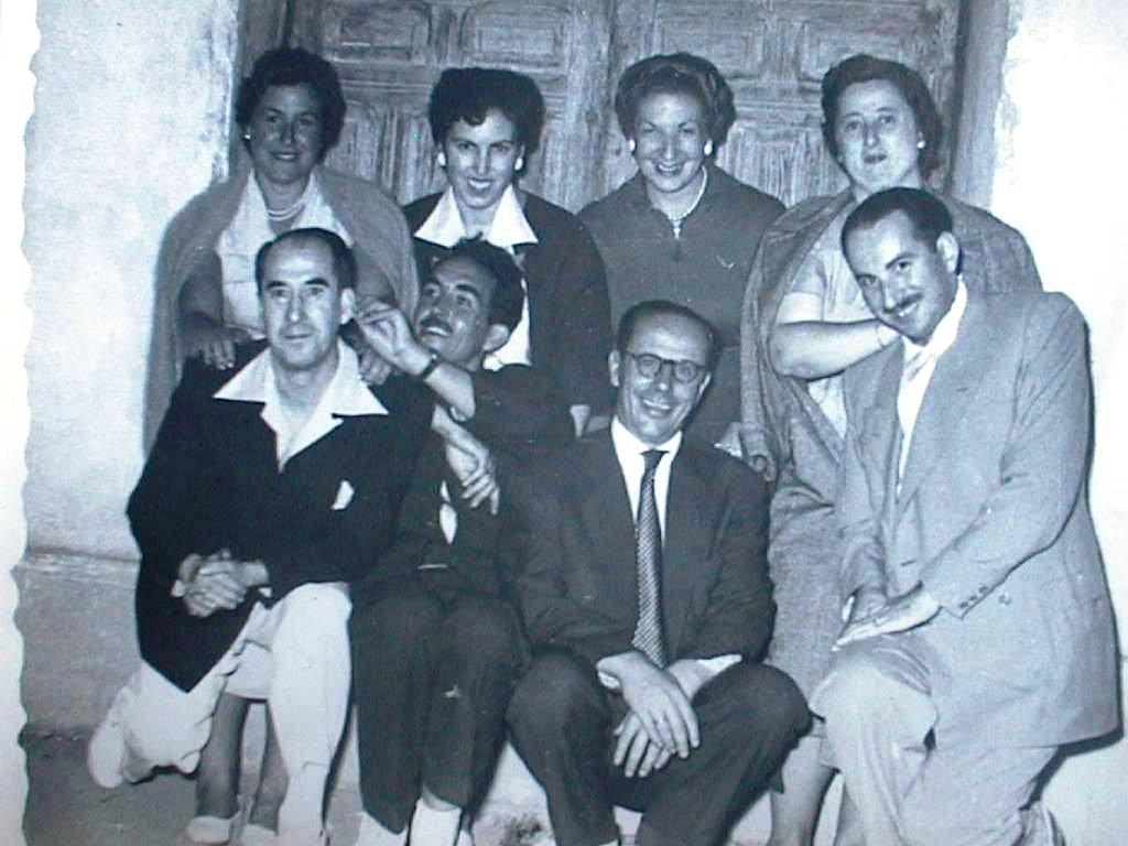 Dolores_Cabeza_y_Alfredo_Maestro_con_amigos.JPG