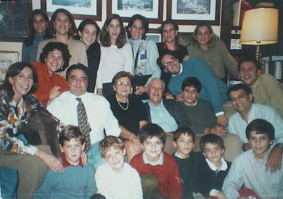 Jose_Manuel_de_Villena_Mingorance_con_todos_sus_hijos_y_nietos._28.12.1996.JPG