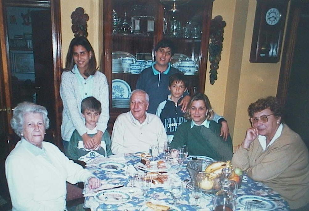 Mari_Carmen_Millan_en_casa_de_su_hijo_Pepe._14.02.1997.JPG