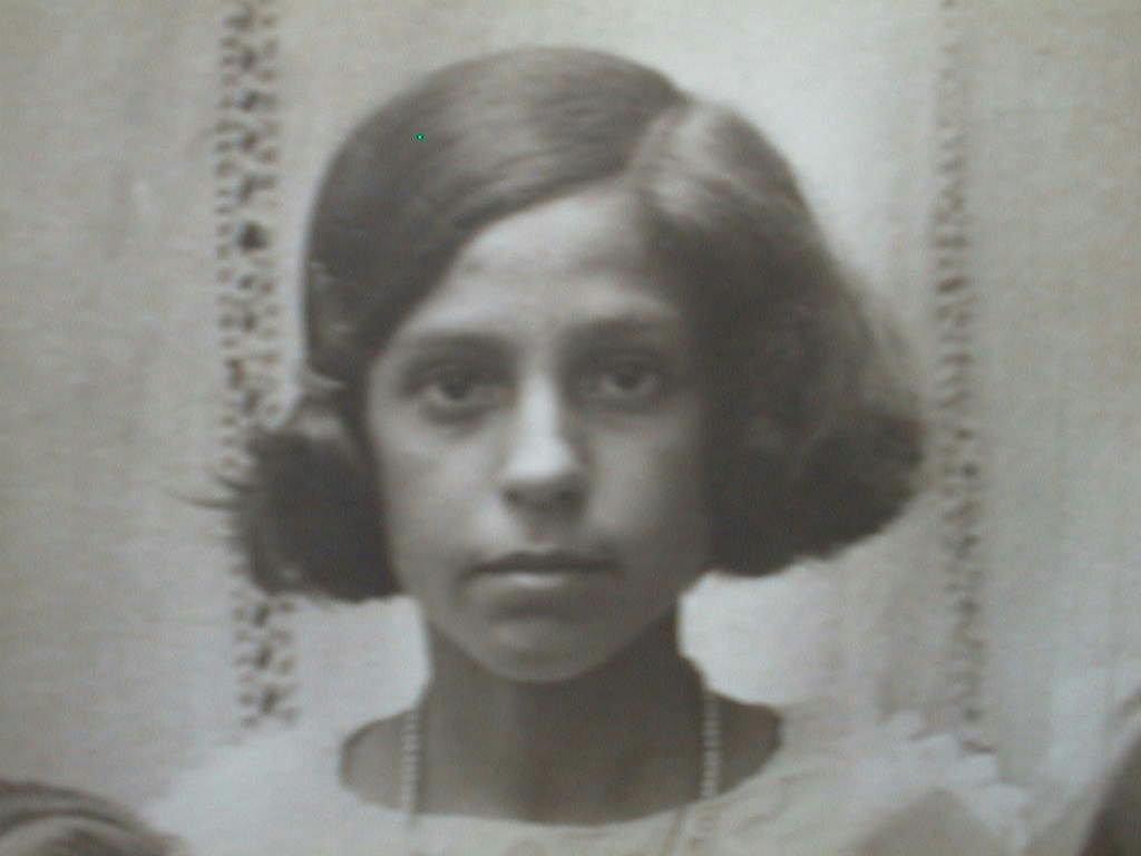 Tia_Carmen_M._de_Villena_1928_.JPG