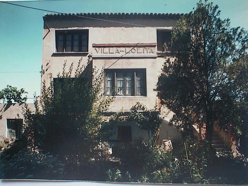 Villa_Lolita_en_Morata_de_Jalon_Zaragoza_.JPG