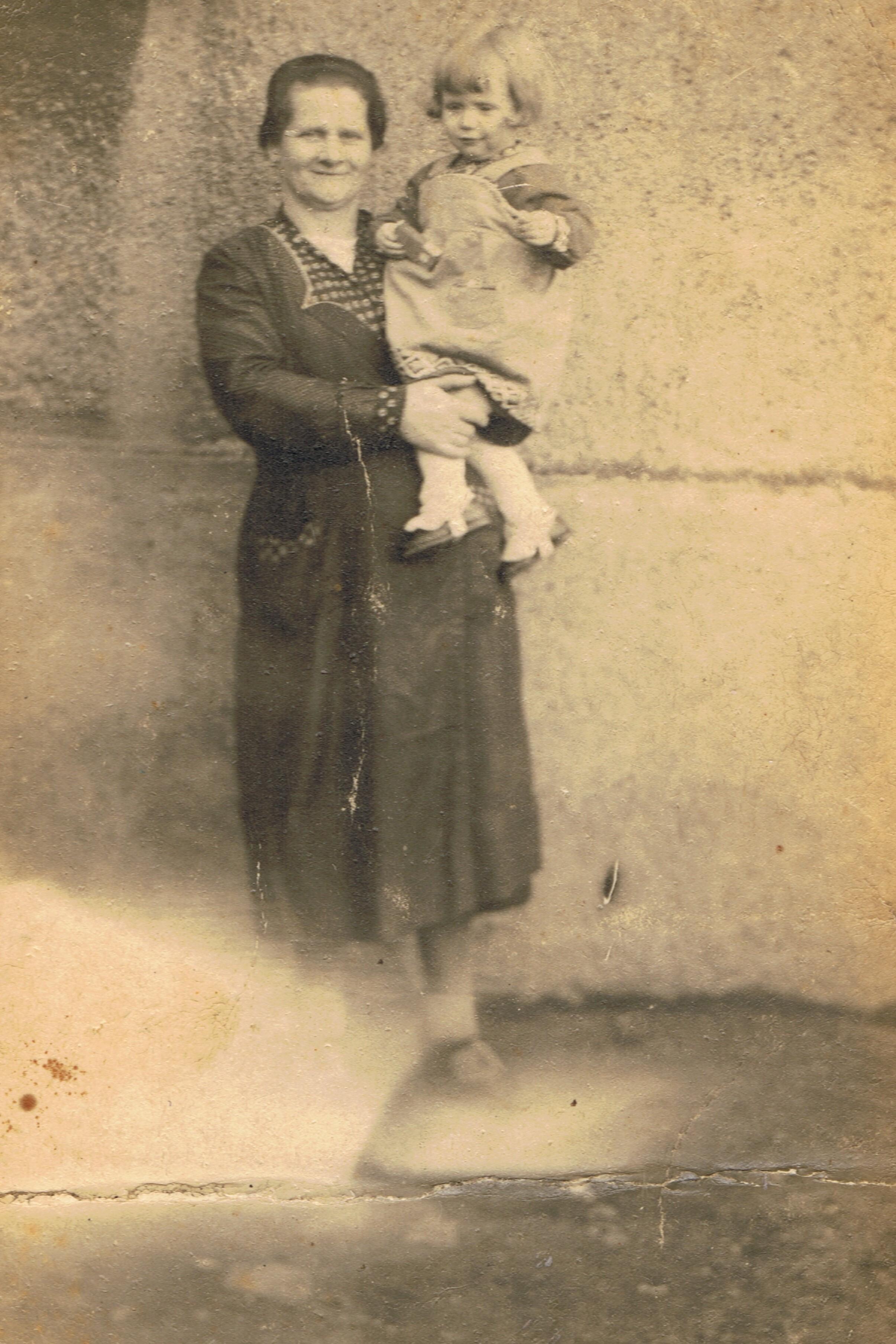 Auguste Leyk 1940 mit Rita Rechner