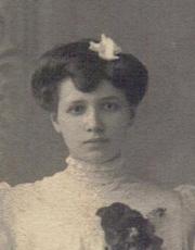 <b>Marie Claverie</b> - medium