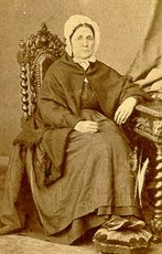 Elisabeth SAULNIER